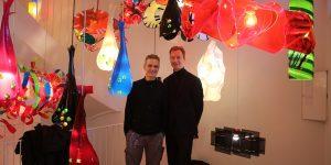Lampenkünstler Stefan Wieland (links) und Galerist Philipp Pflug