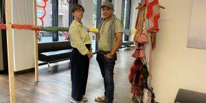 Malerin Sabine Zimmermann und Bildhauer Andreas Rohrbach vor ihren Werken. Foto: Edda Rössler